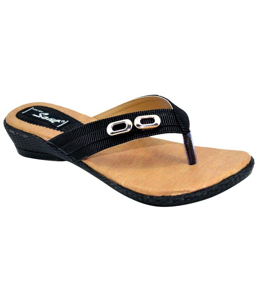 Sant Footwear Surprising Beige & Black Slip-Ons