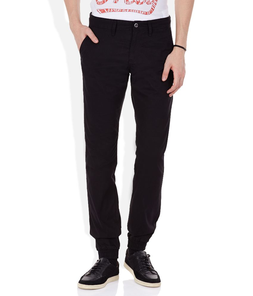 Celio Black Solid Flat Front Trousers