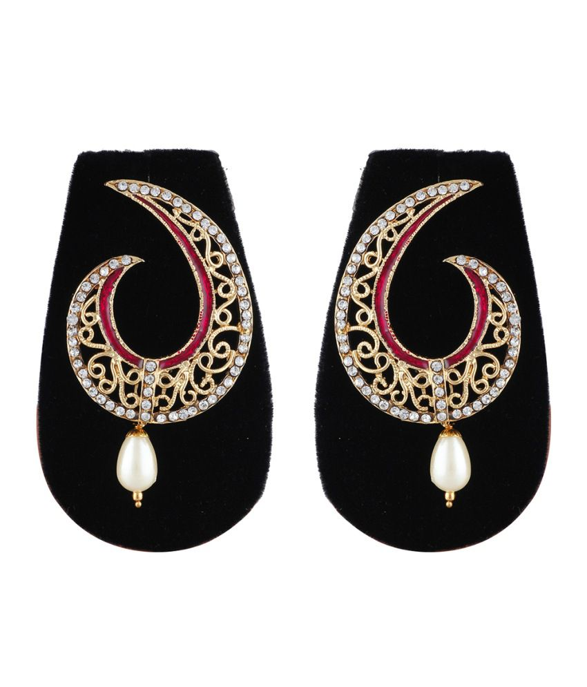 Aaishwarya Gorgeous Golden Dangler Earrings