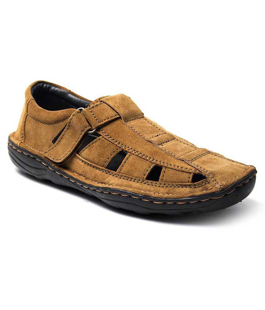 dbb7aac4bc0 Binutop Beige Velcro Sandals Price in India- Buy Binutop Beige Velcro  Sandals Online at Snapdeal