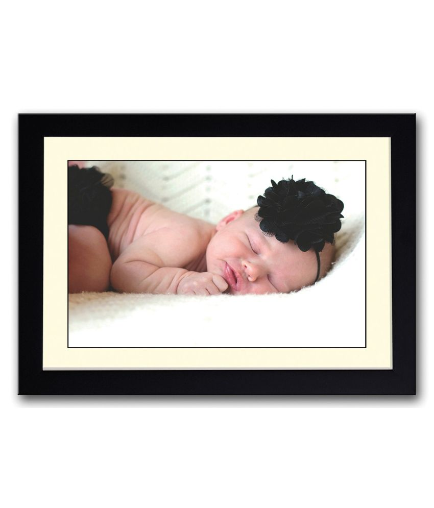 Artifa Matte Baby With Black Flower Painting With Wood Frame