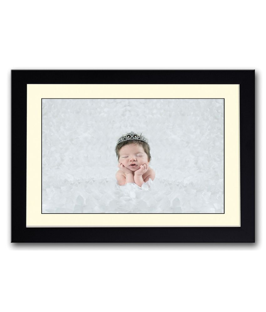 Artifa Matte Baby With Crown Painting With Wood Frame