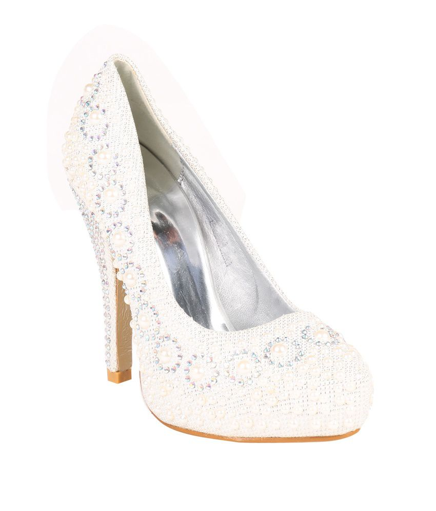 Absolute Mart White Heeled Pumps