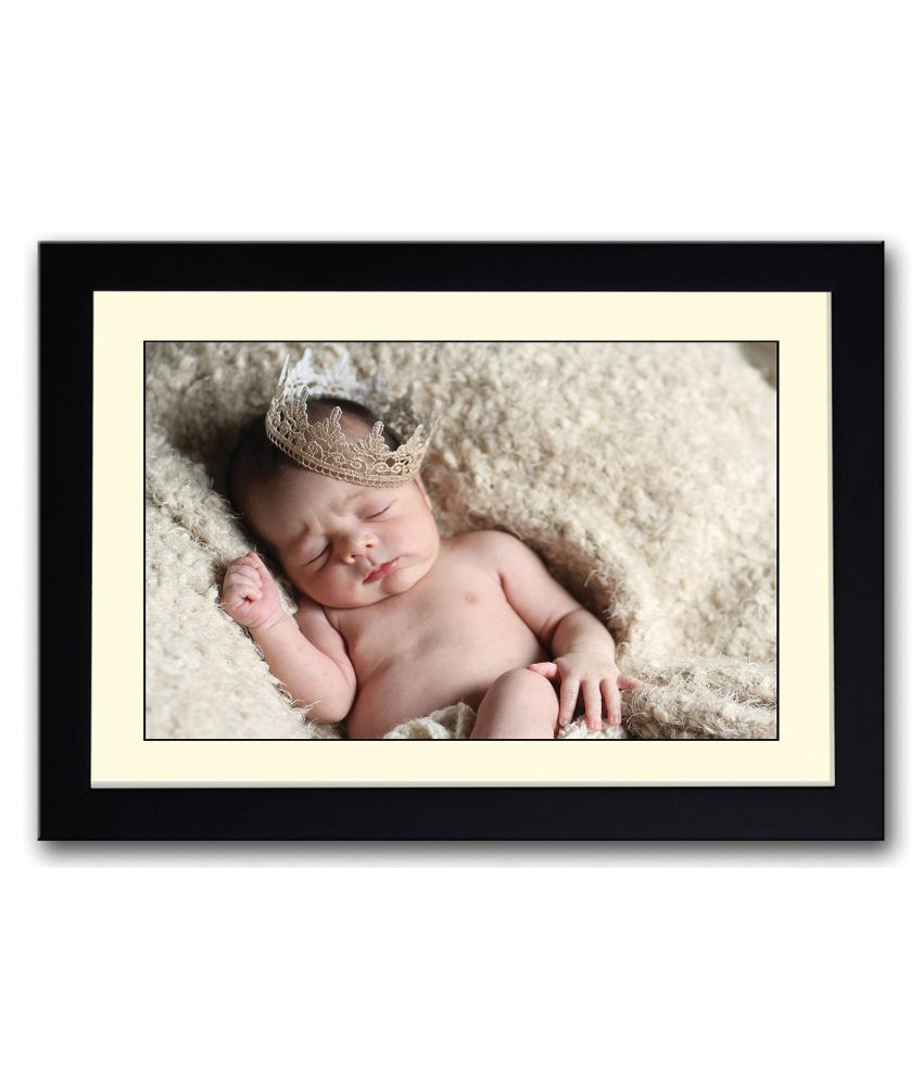 Artifa Matte Baby Sleeping With Cute Crown Painting With Metal Frame