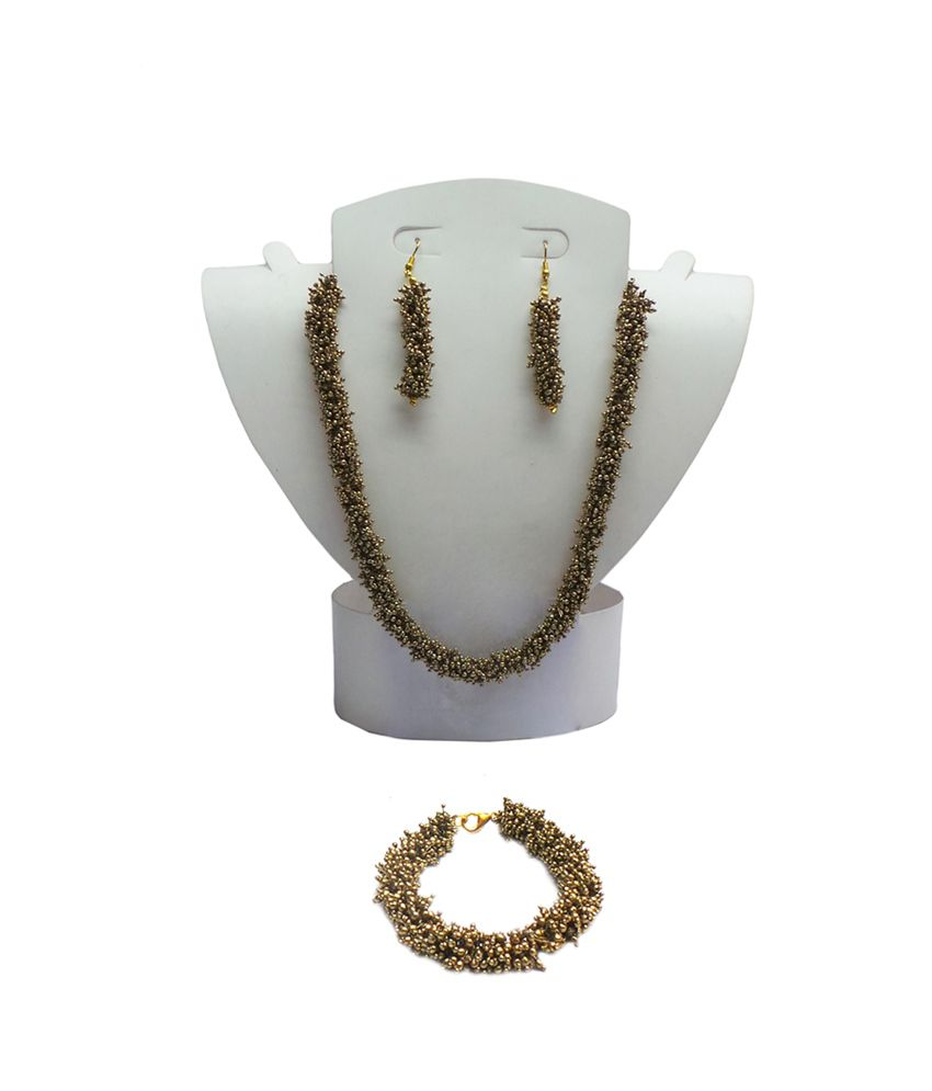 Charvee Gold Pearl Necklace Set