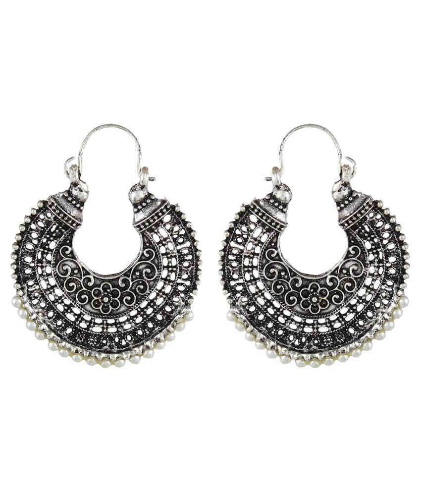 Crazytowear Silver Elegant Look Metal Hoop Earring