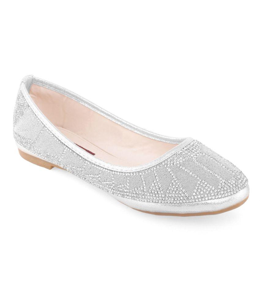 Shuz Touch Modish Silver Ballerinas