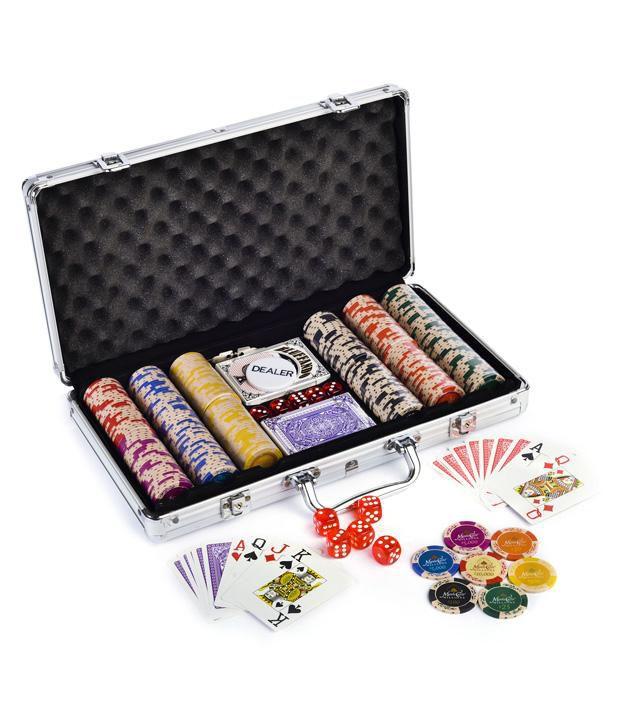 1 Monte Carlo Clay Poker Chips Set 300 Card Shuffler & Freebie: 2 Decks of Fournier Playing Cards