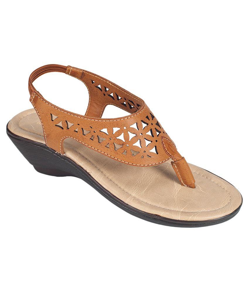 Khadim's Brown Wedges Heels