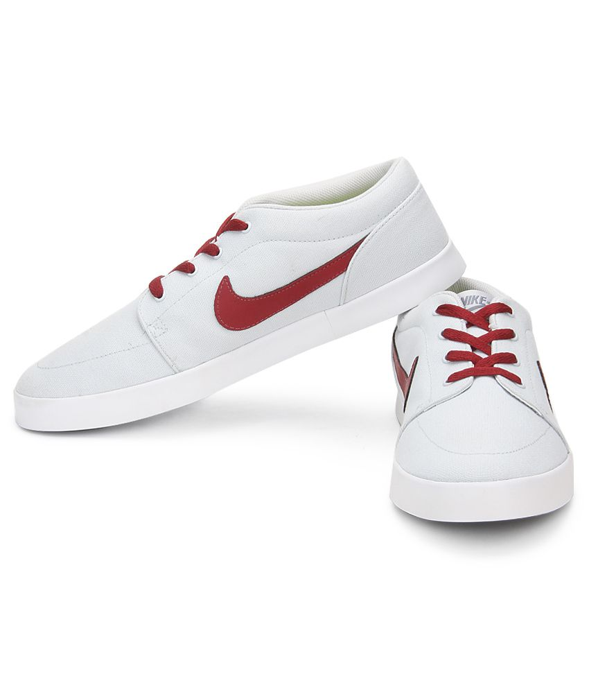 nike casual shoes white