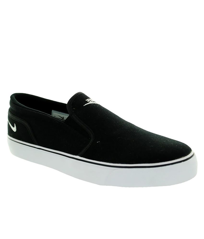 on sale c4249 fabe2 Nike Toki Slip Txt Shoes - Buy Nike Toki Slip Txt Shoes Online at Best  Prices in India on Snapdeal