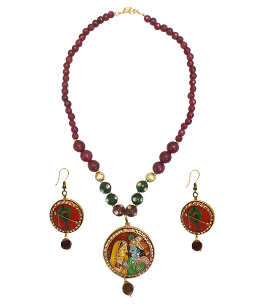 Charvee Maroon And Green Alloy Necklace Set