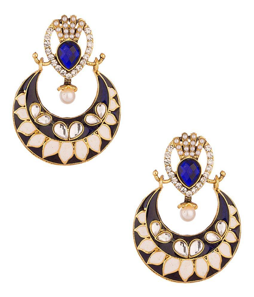 Voylla Darling Pair Of Yellow Gold Toned Earrings