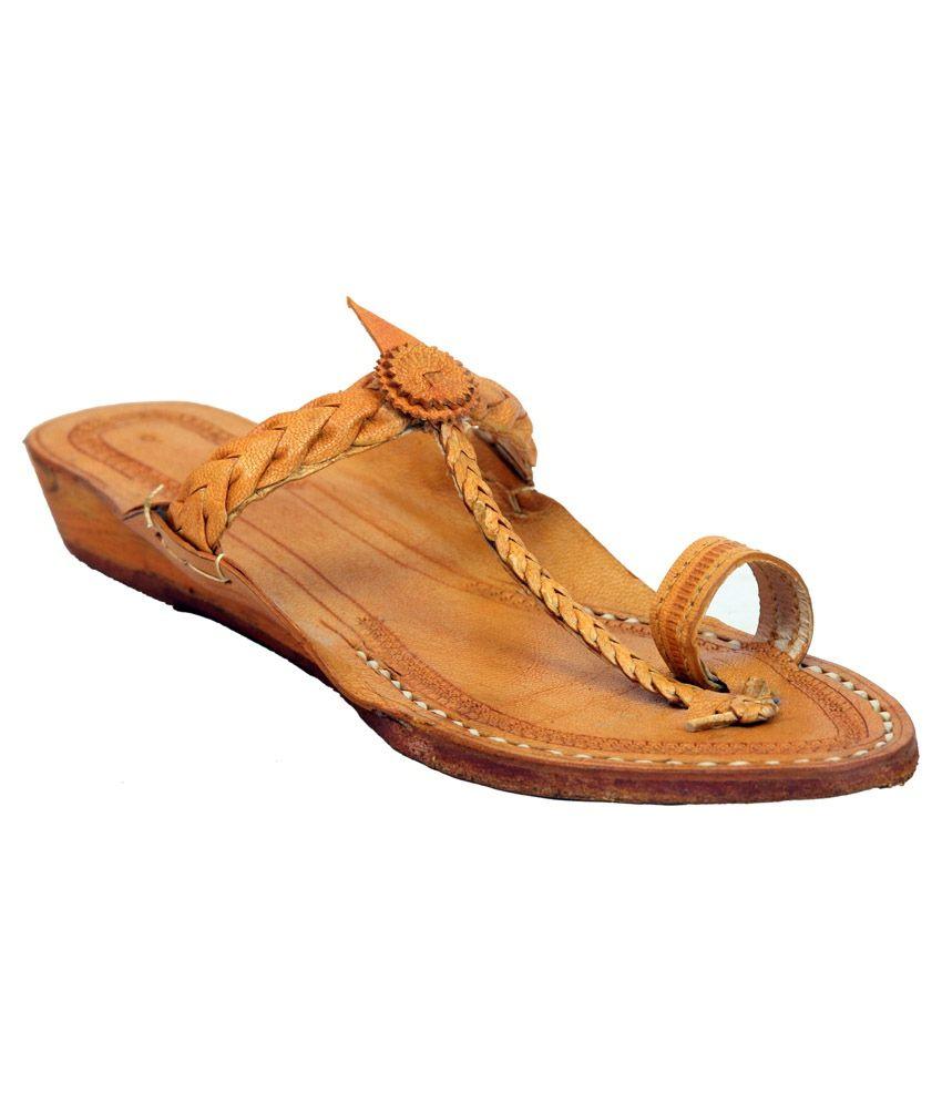 L Kolhapuri Brown Kolhapuri Low Heel Slip-Ons
