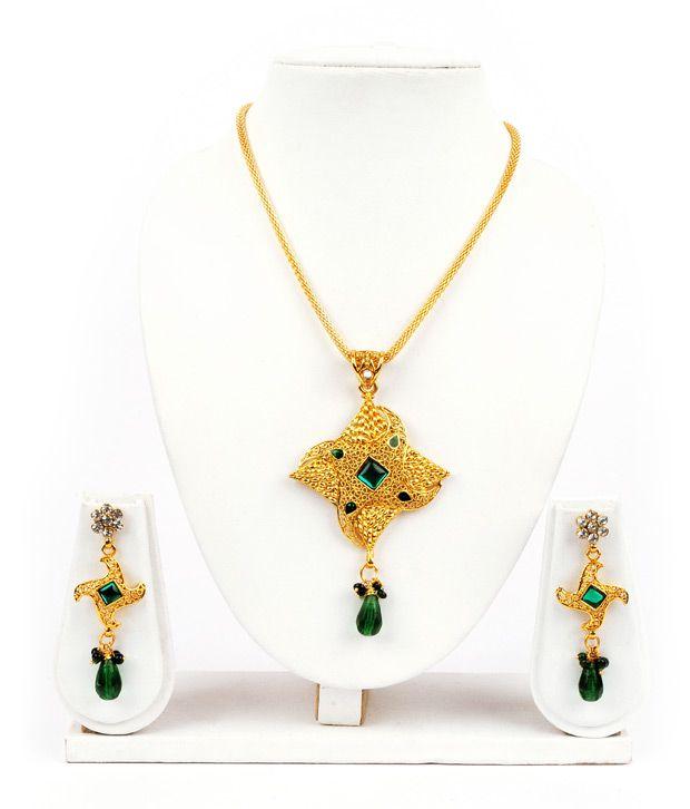 Adhira Glamorous Ethnic Necklace Set