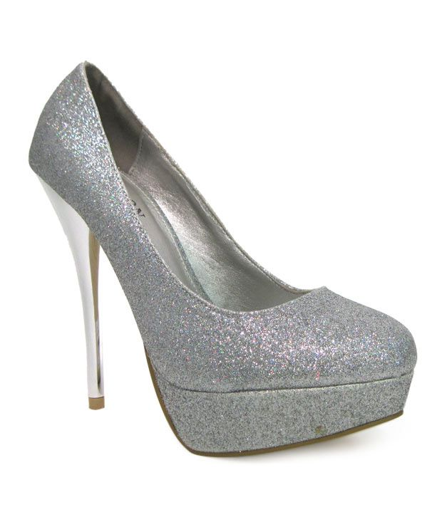 Carlton London Shimmery Silver Pencil Heel Pumps