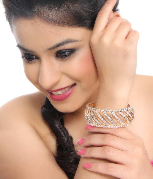 Pari Magnificent Designer Golden Bangle