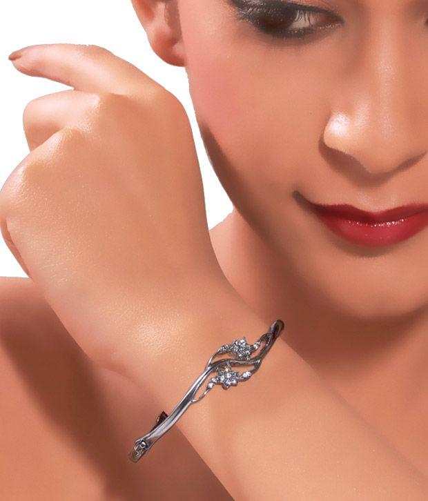 Kim's Stylish Silver & Stone Bracelet