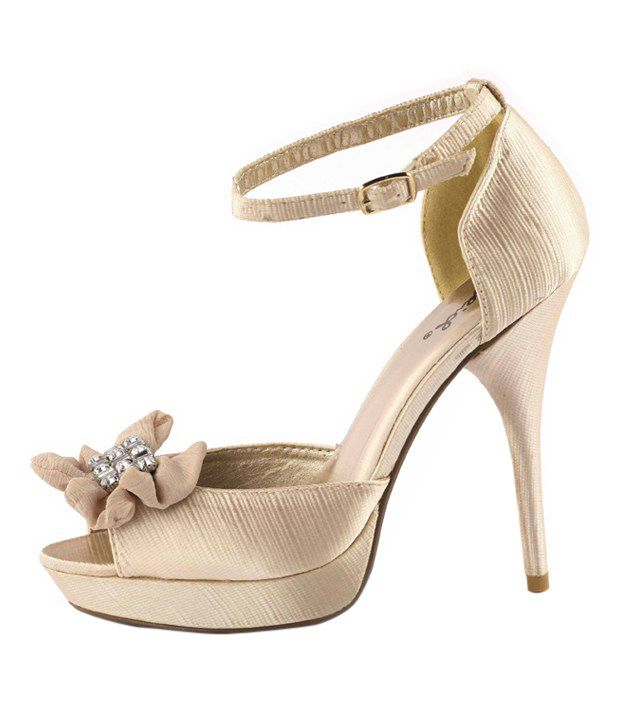 1bde809142a 23 Bacio Alluring Cream Pencil Heel Sandals Price in India- Buy 23 ...