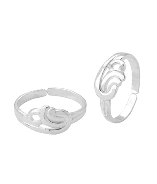 Voylla Shiny Silver Casted Toe Ring