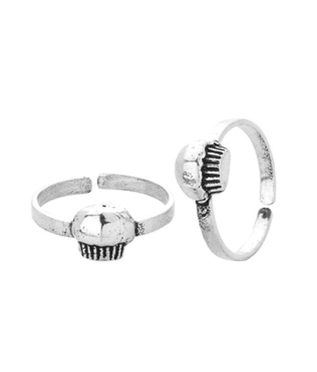 Voylla Silver Plated Toe Rings With Cupcake Design