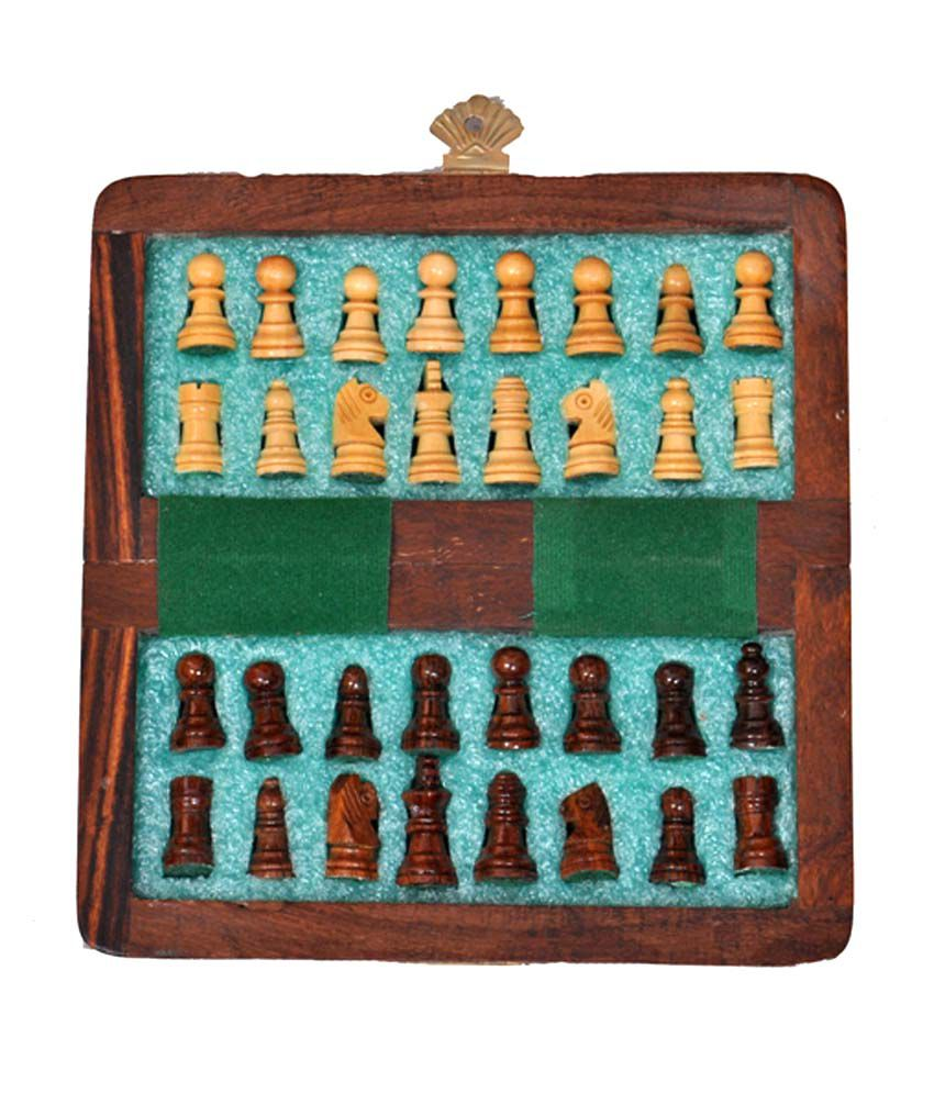 Wooden Magnetic Travel Chess Set 5