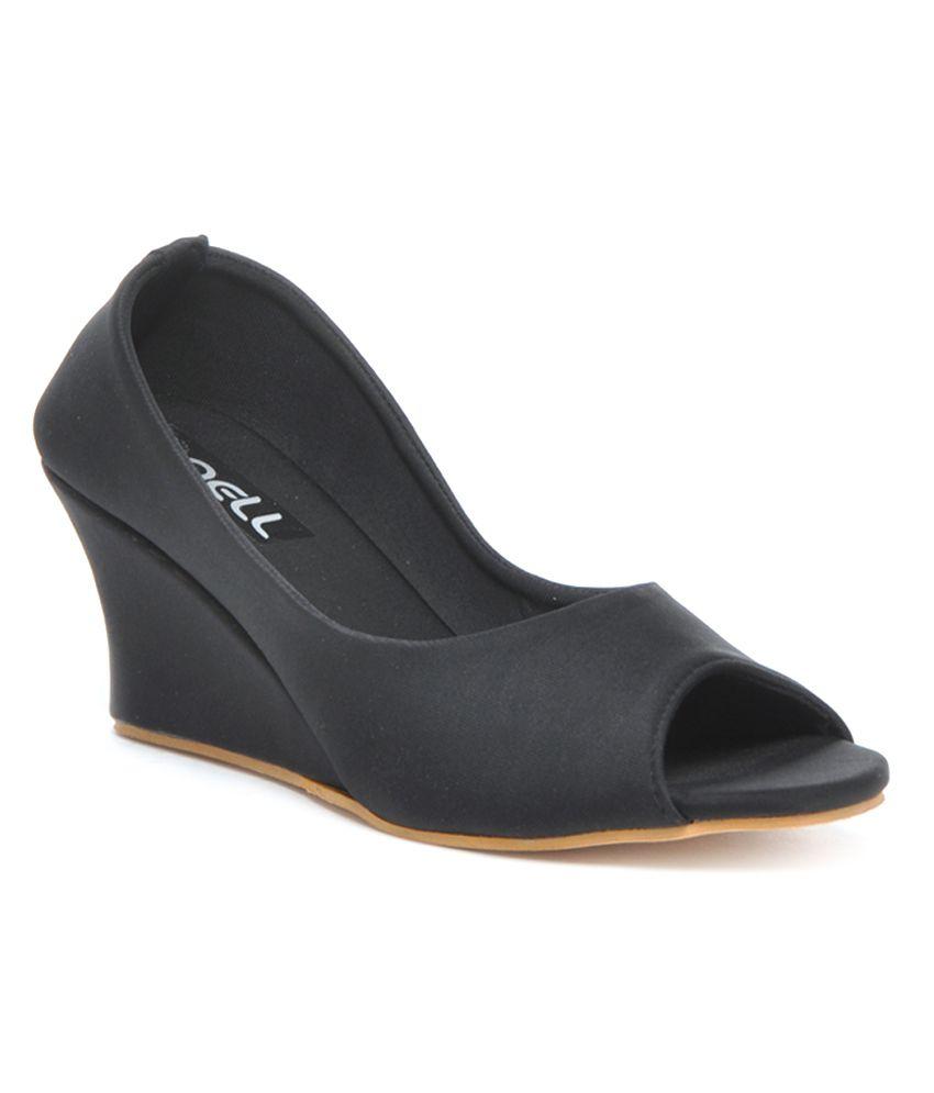 F n B-Nell Attractive Black Peep Toe  Pumps