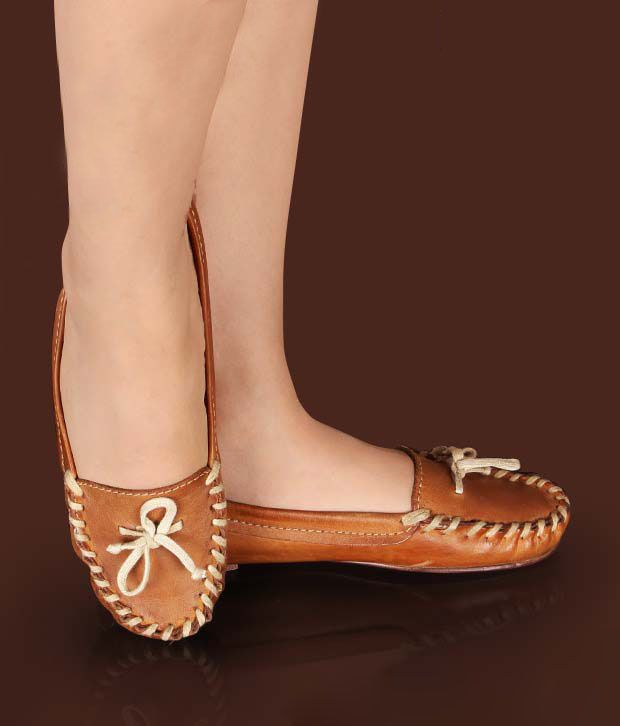 Hi-Fashion Trendy Tan Moccasins