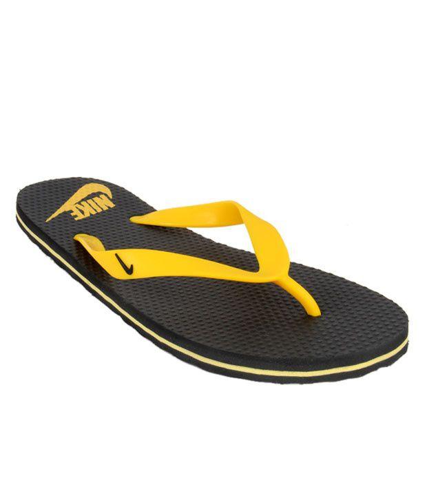 brand new b7b6f 5969d Nike Aquahype Black & Yellow Slippers