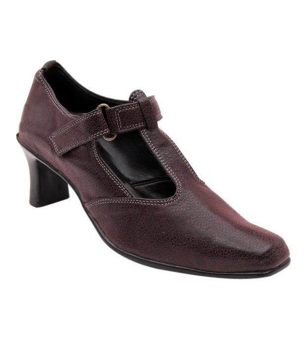 Sleek Maroon Heel Court Shoes