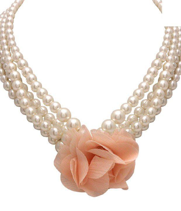 Diva Mesmerising Pearls Flower Design Neckpiece