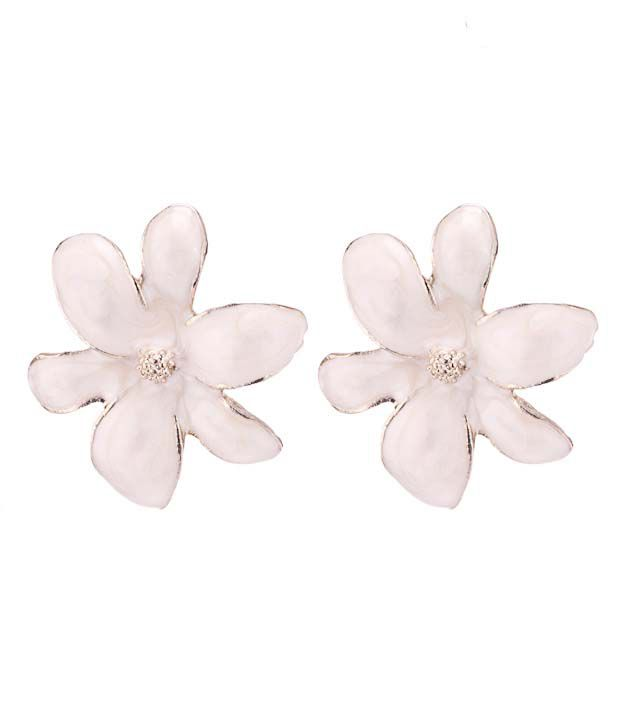 Pari Glamorous White Floral Earrings