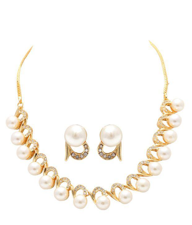 Sia Elegant Pearl Necklace Set