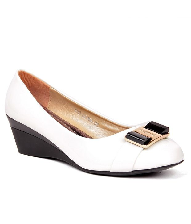 Anand Archies White Wedges