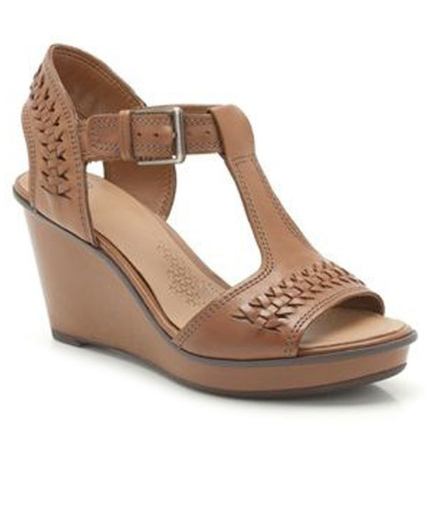 Online At Price Tan Clarks Wedges India In Buy qY71Z7n