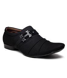 Foot 'n' Style Unruffled Black Slip-on Shoes