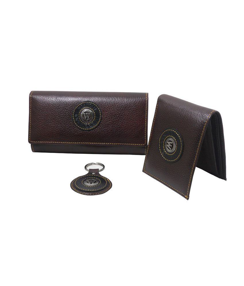 e30404b61c77 Wrangler Genuine Leather Gents Wallet with Ladies Wallet and Key chain: Buy  Online at Low Price in India - Snapdeal