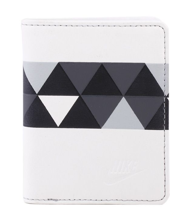 a74a5ebc17 Nike Black & White Sportswear Leather Wallet For Men's: Buy Online at Low  Price in India - Snapdeal