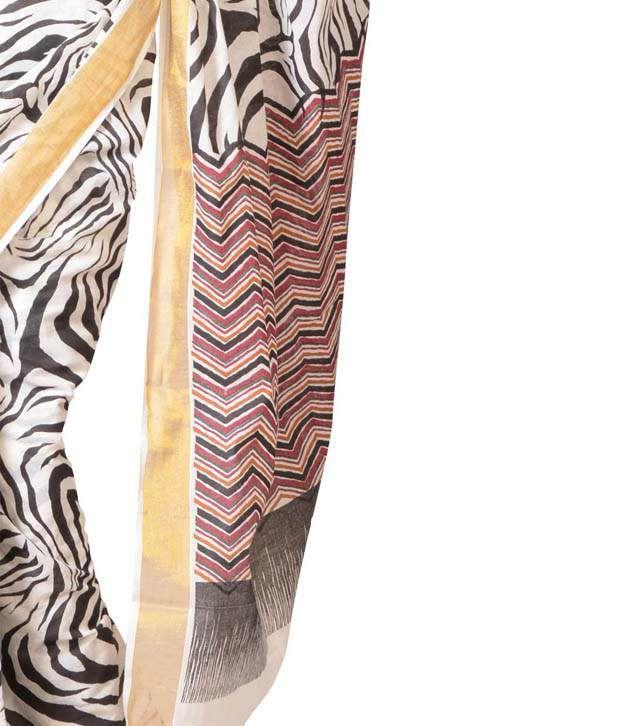 URBAN VASTRA White Printed Cotton Saree