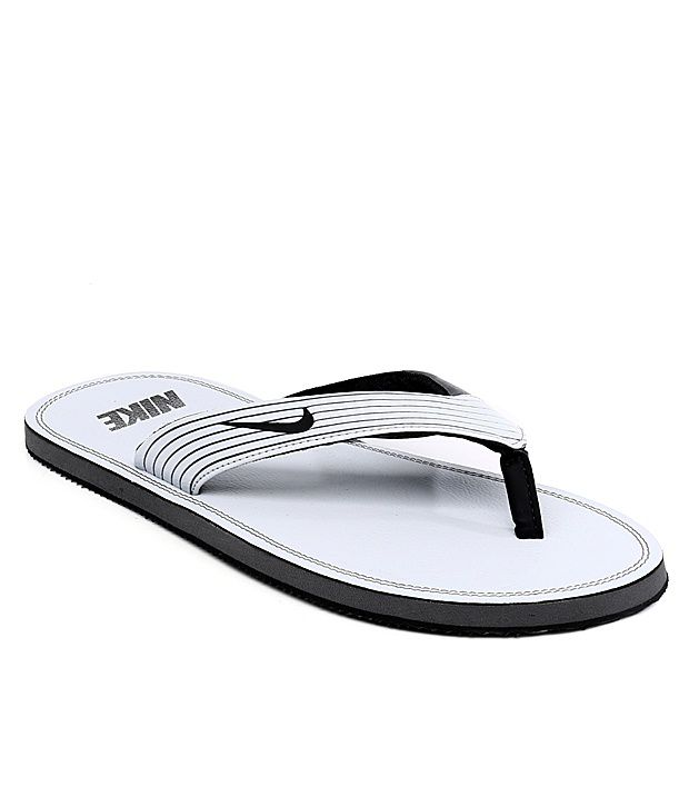 73ad562032e9 Nike White Slippers Price in India- Buy Nike White Slippers Online at  Snapdeal