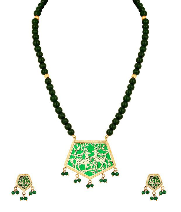 Voylla Gold Plated Thewa Art Necklace Set With Striking Twin Deer Design
