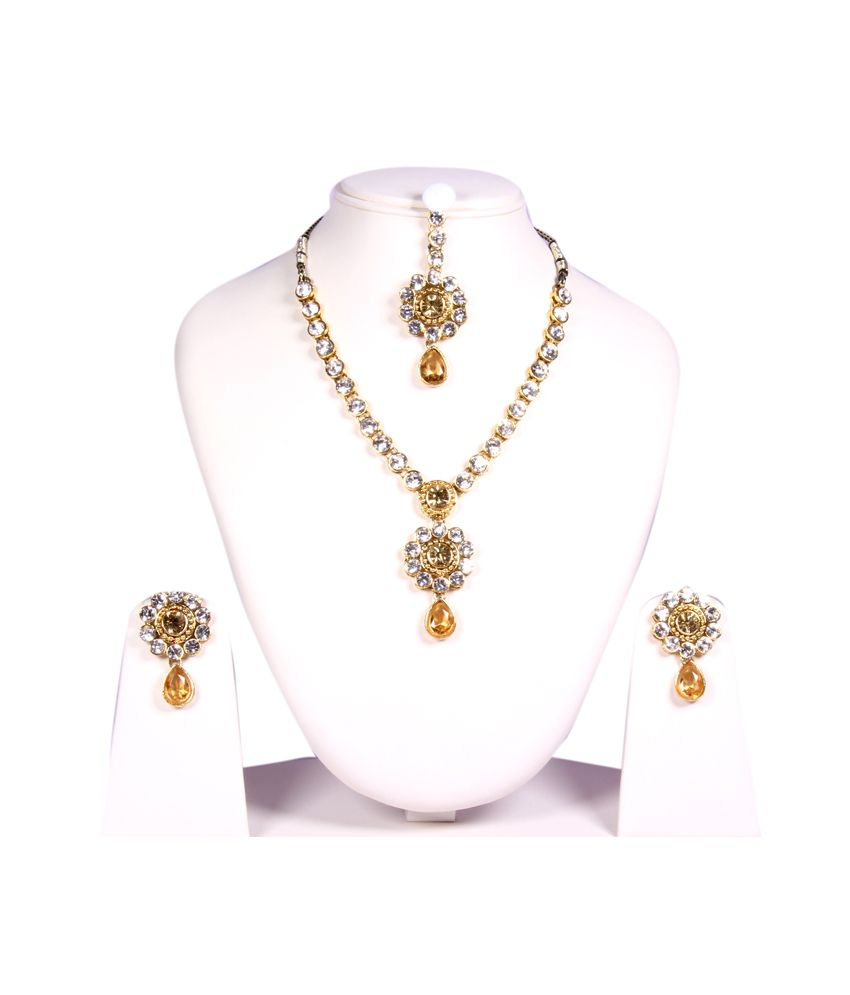 Aakarshan Jewellery Golden And Yellow Necklace Set