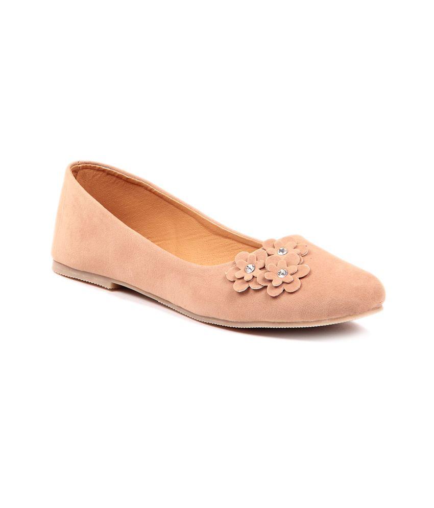 Sindhi Footwear Beige Floral Ballerinas