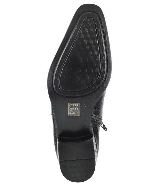 0ae6dd579ea Mochi Black Formal Shoes