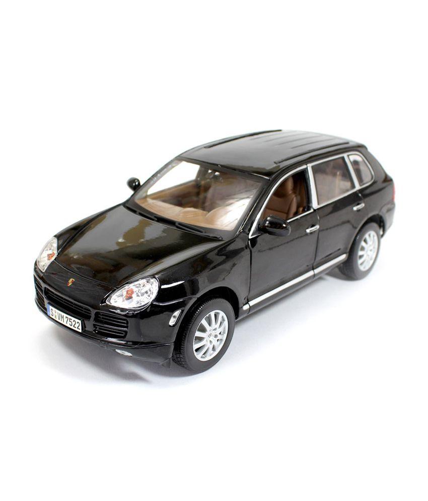 maisto porsche cayenne 1 18 diecast scale model car black buy rh snapdeal com