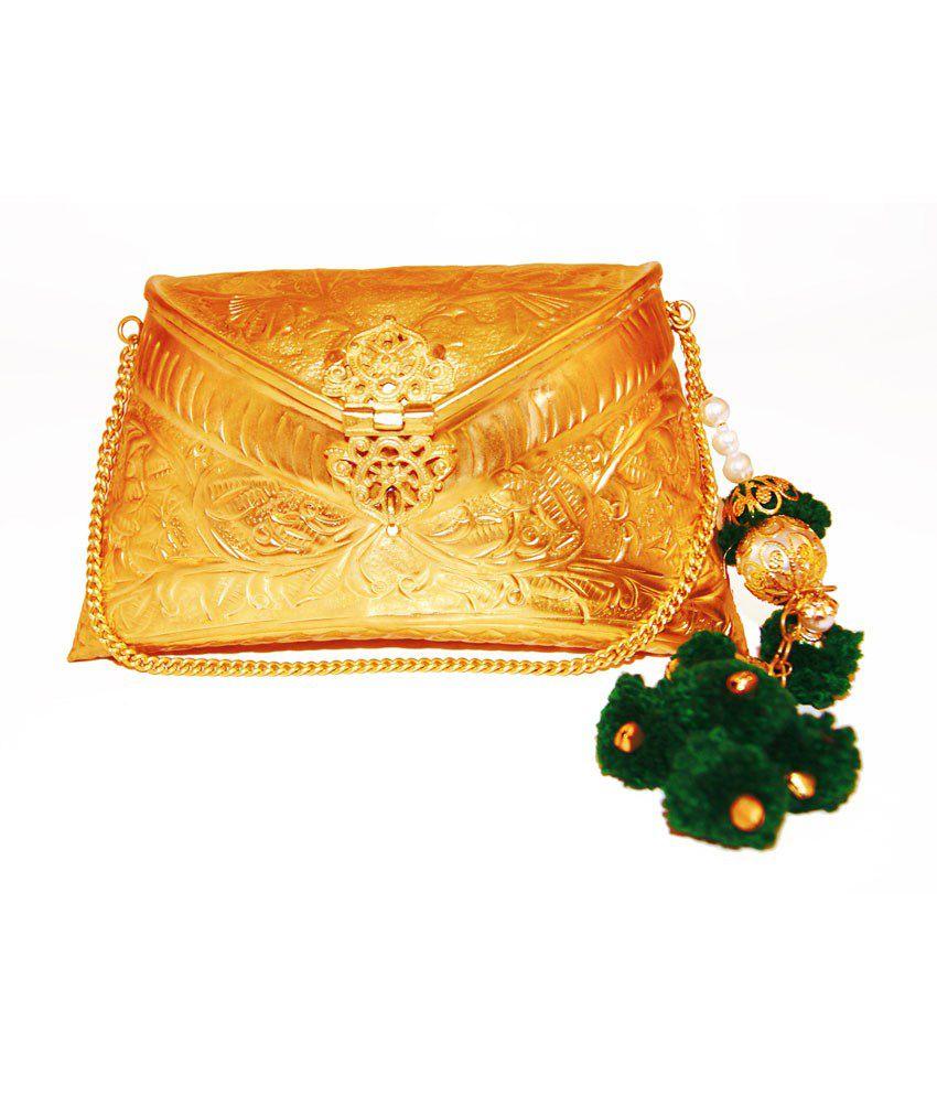 Ruhmet Embossed Gold Clutch Bag With Drops Of Green Tassel