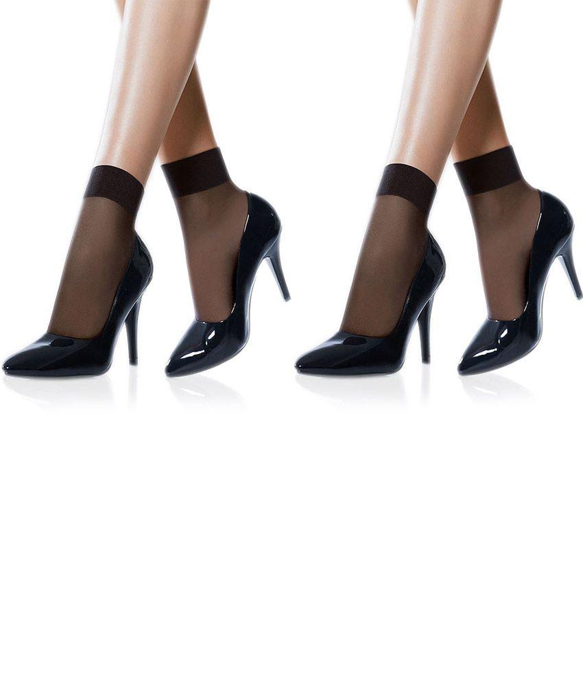 Girls In Nylon Stockings