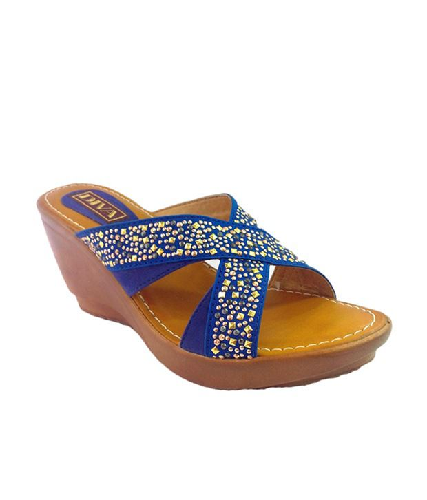 Diva Studds In Cross Strap With Pu Sole