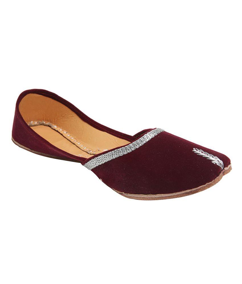 Ta Chic Women Ethnic Shoes