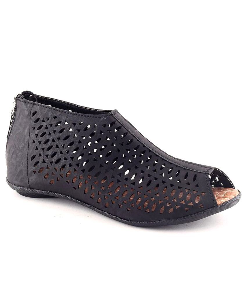 Grafion Black College Sandals